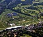 Ippodromo di Ascot nel Berkshire, veduta aerea, maggio 2020. Pronto per ripartire